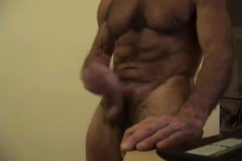 Flex Muscle And jack off On cam Chat