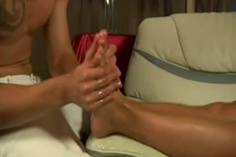 attractive Massage With Matthew Ross