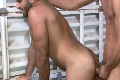Excited homo Gives oral-service At Work