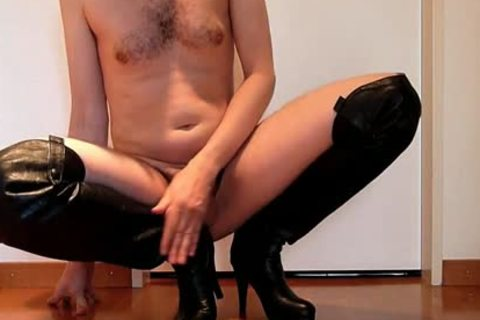 Jerking Wearing black Over-knee High-heels With sex tool And Cumming