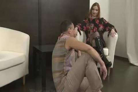 Femdom ambisexual 10-Pounder Part 1
