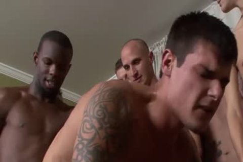 Tall Hunk gets His darksome hole pounded Barebacked