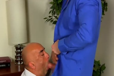 Shay Michaels pounds His Annoying Boss Brian In His asshole