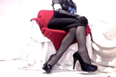 juicy Seamed nylons And Heels