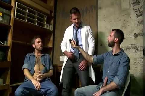 two Fit daddy boyz Greek Gods In Rehab Doing The enjoyable Doctor After Therapy
