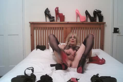 Cd Shows Many extreme Heels And Cums