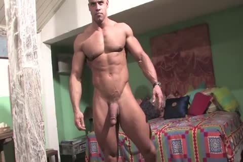 Muscle God Buck Branson Muscle Flexing jerk off   Cums