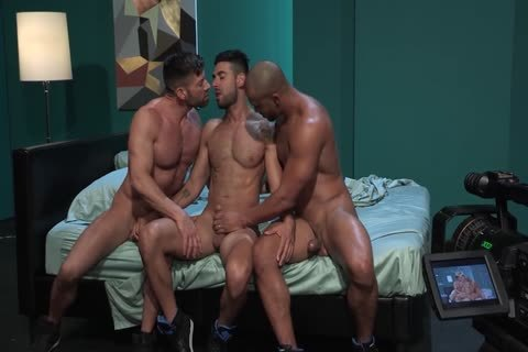 gay Pornstars Bruce Beckham, Jason Vario And Mick Stallone In gay Male Porn Tube clip