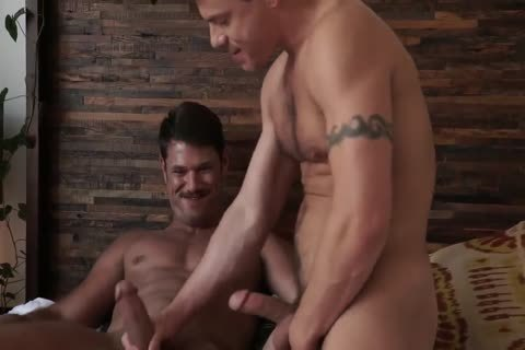 Jesse Santana nails His ally Tyler Roberts bare