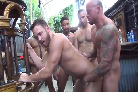 MusclePup Logan Moore acquires group team-drilled Barebacked pound