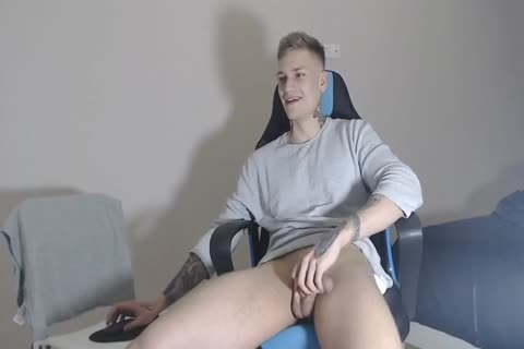 21yo pumped up Lad Alex On Chaturbate discharges his cream