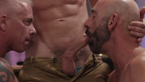 IconMale - Ryan Carter & Link Parker amongst Casey Everett
