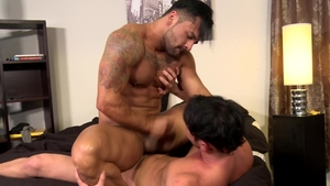 MenOver30.com - Muscled gay Rego Bello jerking big penis