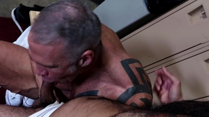MenOver30.com - Rikk York enjoying big dick jock Dallas Steele